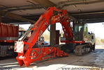 New_Holland_Kobelco_E245B_VVF.JPG